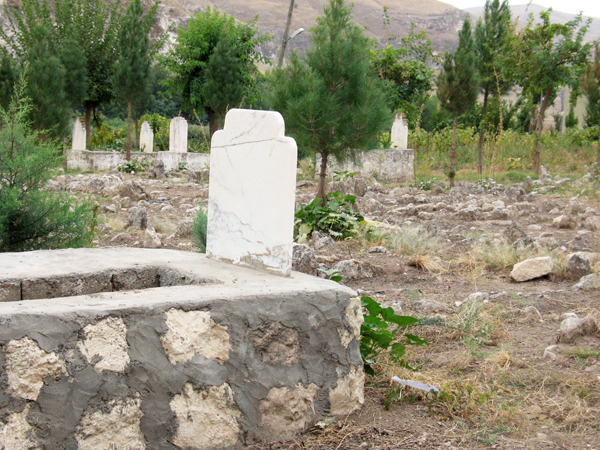 050_Friedhof-in-Dorf-bei-Hasankeyf