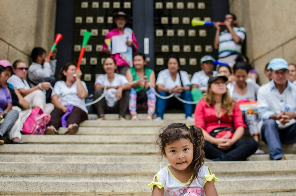 15.6.17_Protestas_Gobernacion_Santanter10_©_Claudia-Ortiz